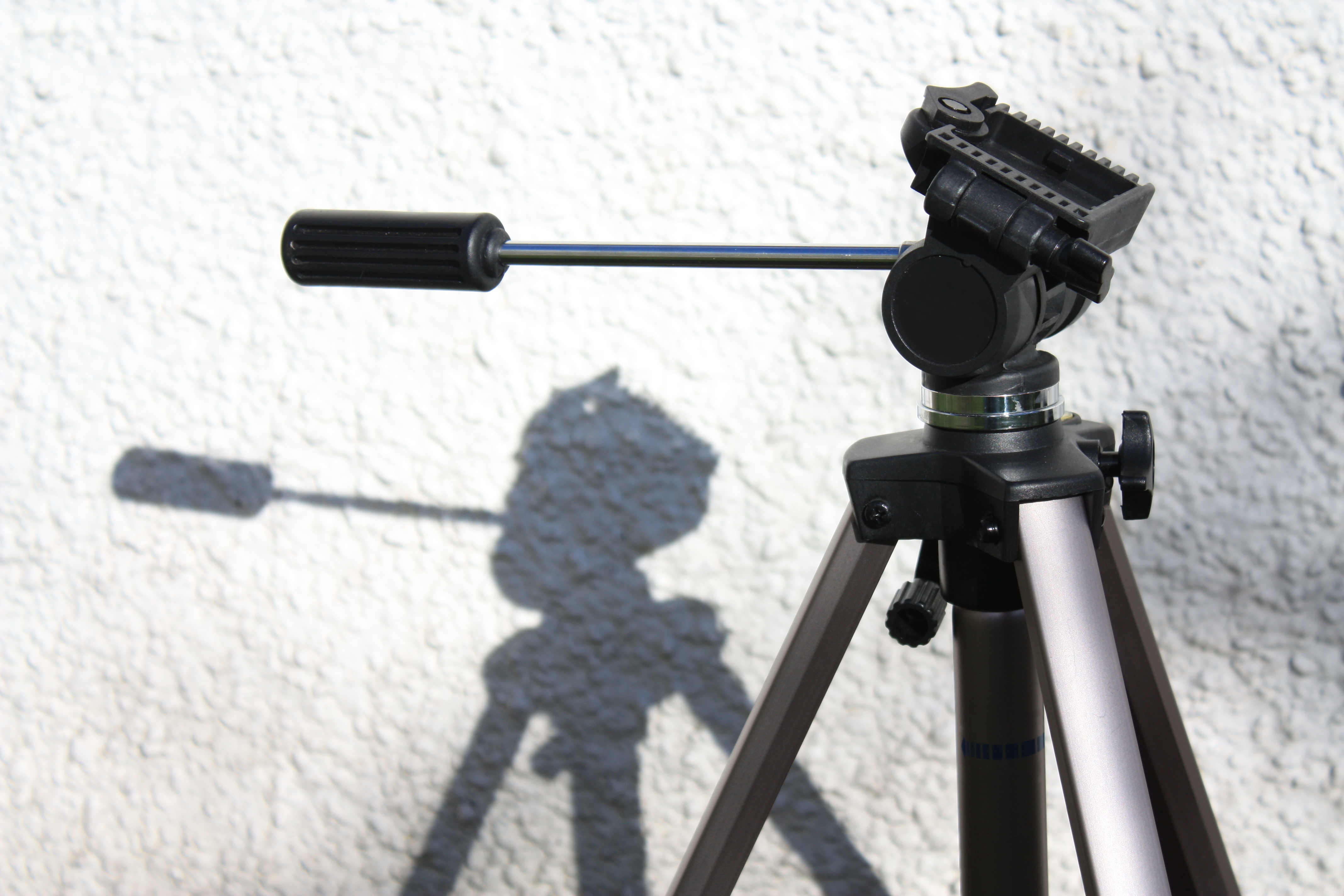 Camera Movement: How to Use a Camera Tilt - LogoMyWay Blog